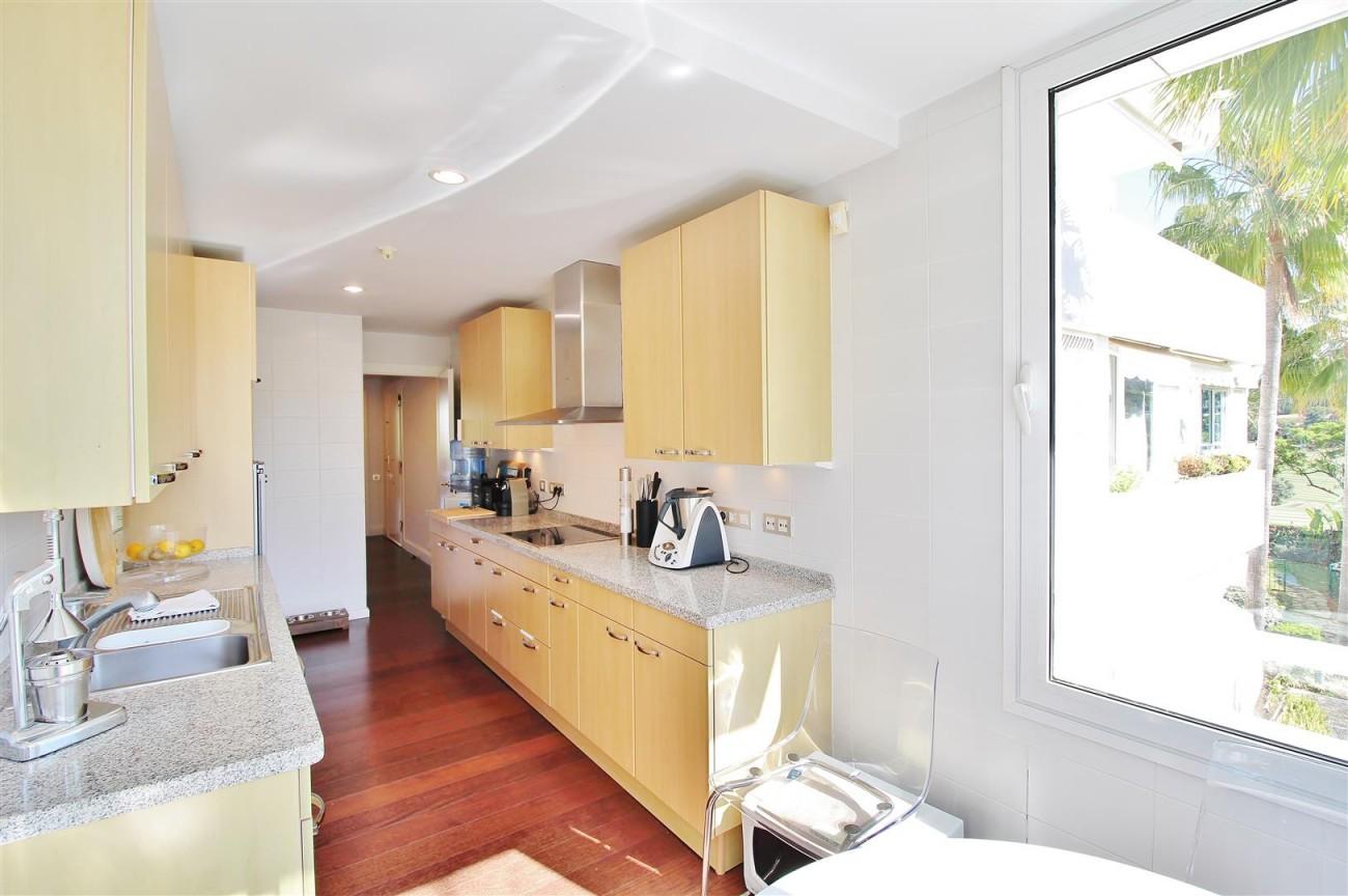 Frontline Golf Luxury Apartment for sale Nueva Andalucia Marbella Spain (35) (Large)
