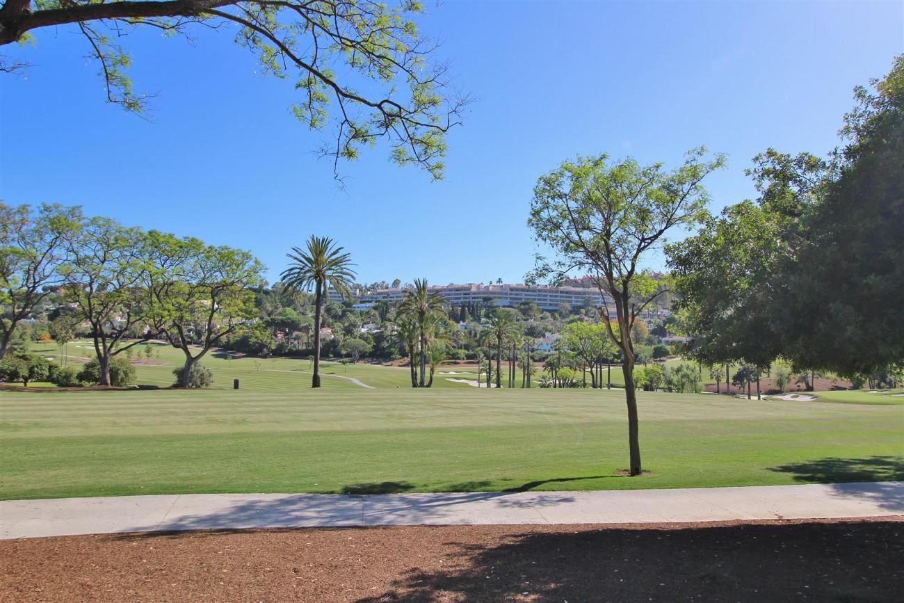 Frontline Golf Luxury Apartment for sale Nueva Andalucia Marbella Spain (38) (Large)