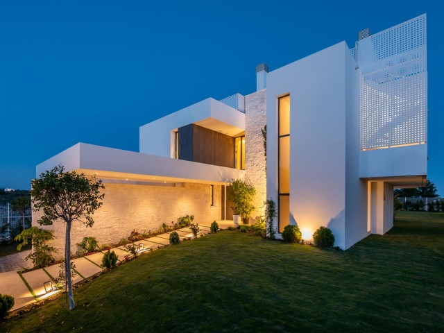 New Development for Sale - from 1.350.000€ - New Golden Mile, Costa del Sol - Ref: 5836
