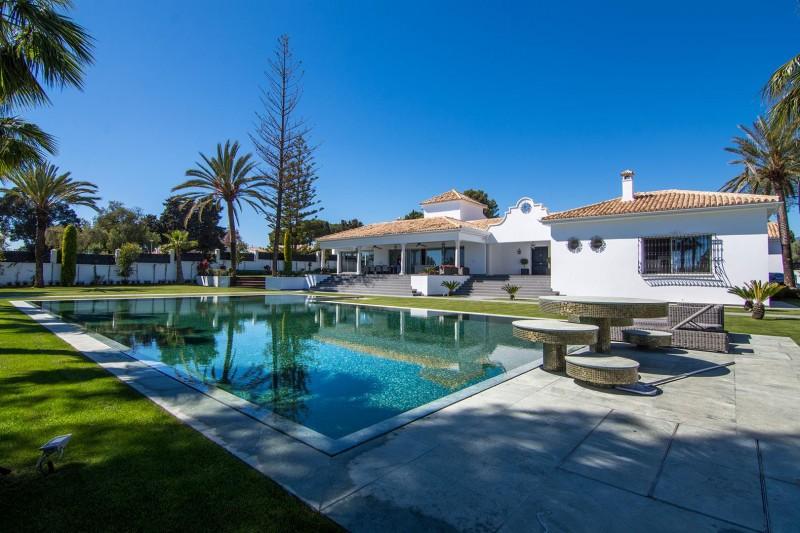 Luxury Villa for sale Marbella Golden Mile Spain (33) (Large)