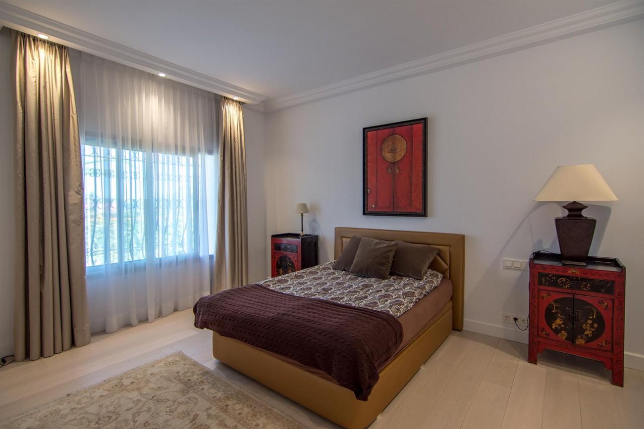 Luxury Villa for sale Marbella Golden Mile Spain (17) (Large)