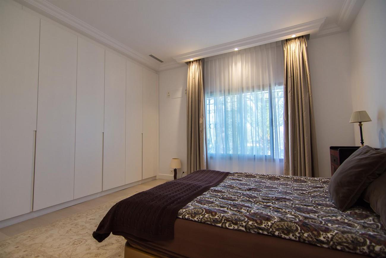 Luxury Villa for sale Marbella Golden Mile Spain (18) (Large)