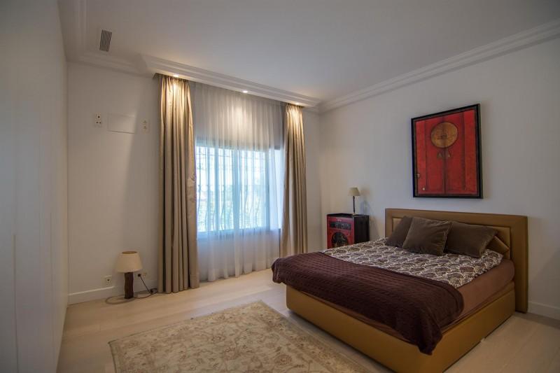 Luxury Villa for sale Marbella Golden Mile Spain (19) (Large)
