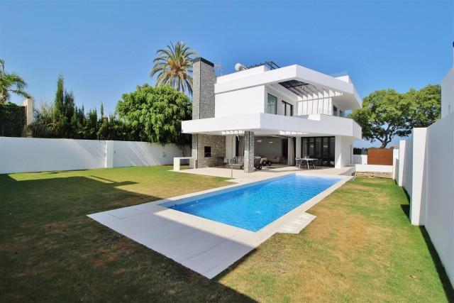Villa for Sale - 1.875.000€ - San Pedro de Alcántara, Costa del Sol - Ref: 5968