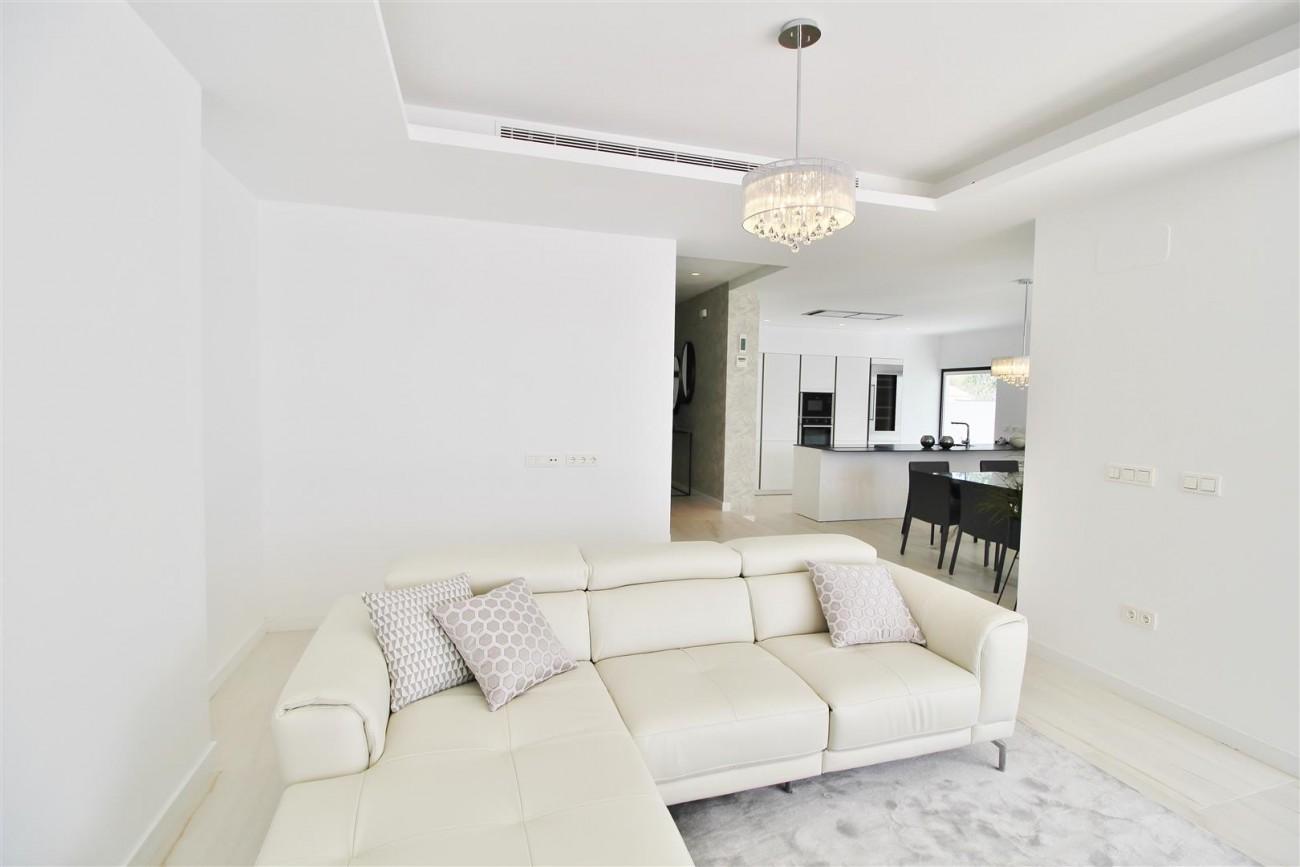 Contemporary villa for sale San Pedro Marbella Spain (3) (Large)