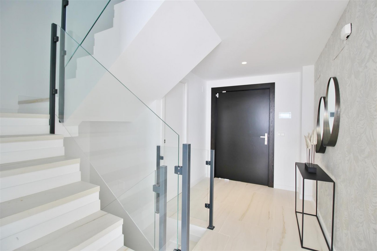 Contemporary villa for sale San Pedro Marbella Spain (4) (Large)