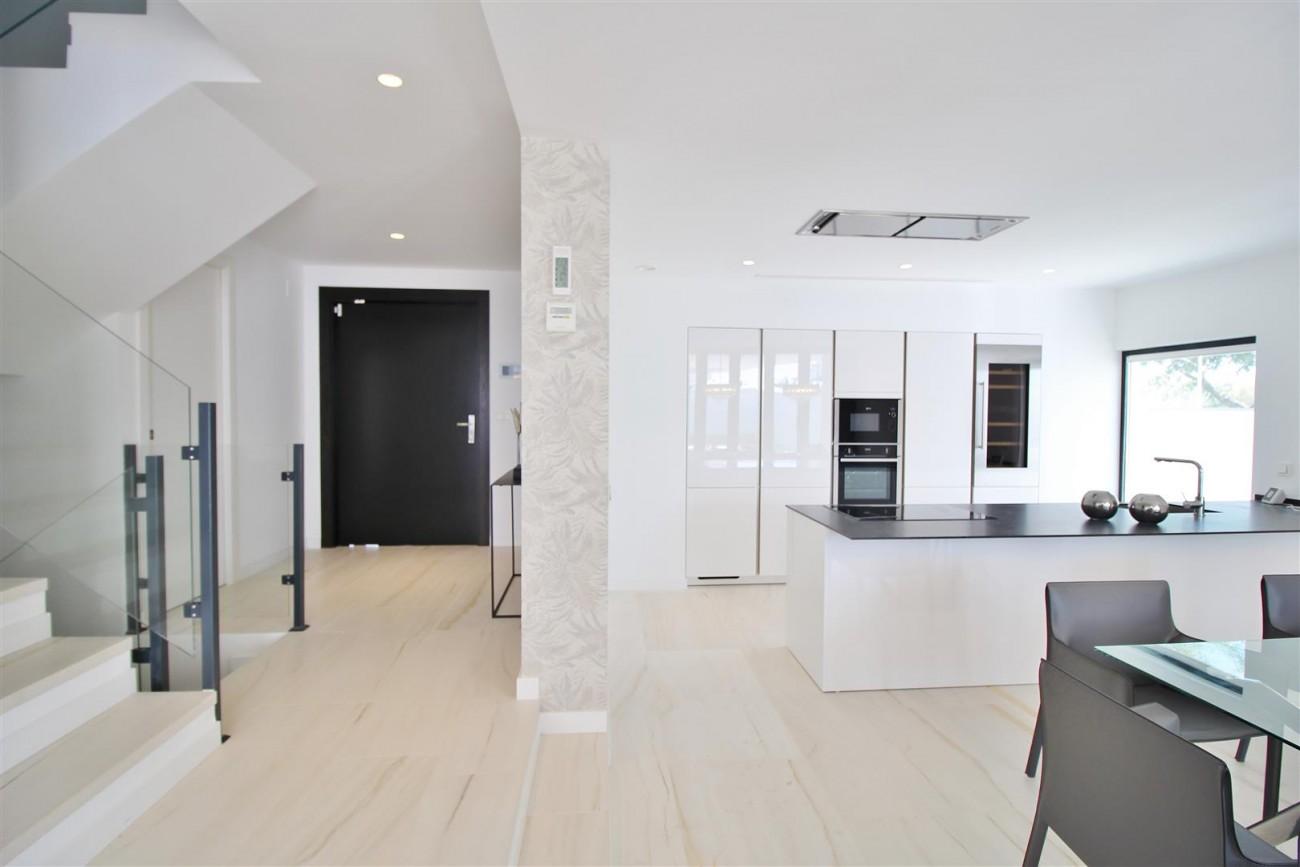Contemporary villa for sale San Pedro Marbella Spain (5) (Large)