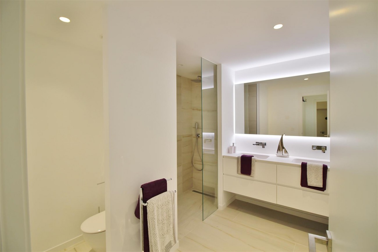 Contemporary villa for sale San Pedro Marbella Spain (12) (Large)