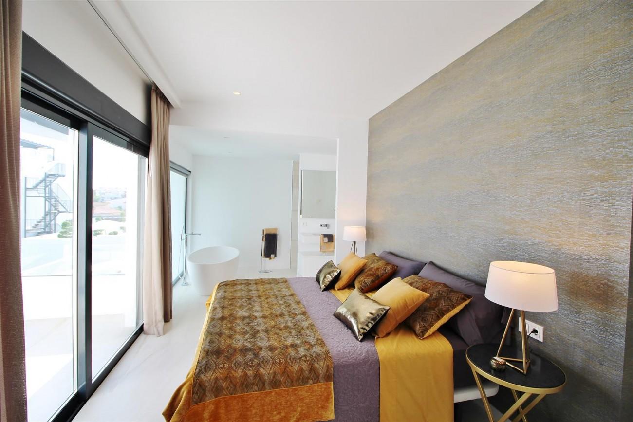 Contemporary villa for sale San Pedro Marbella Spain (15) (Large)