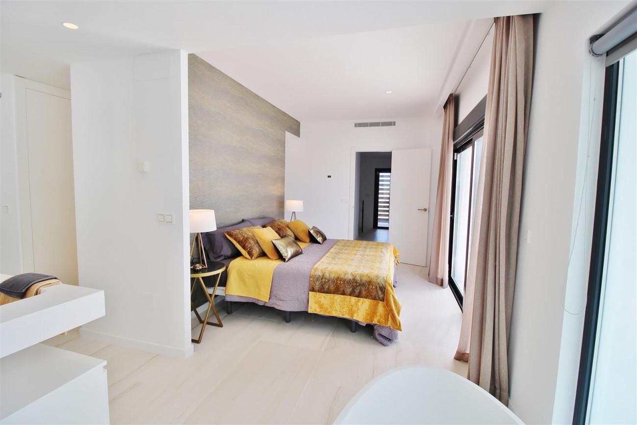 Contemporary villa for sale San Pedro Marbella Spain (16) (Large)
