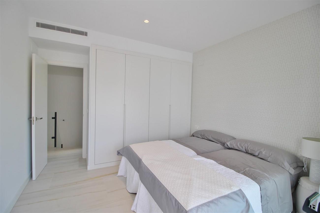 Contemporary villa for sale San Pedro Marbella Spain (20) (Large)
