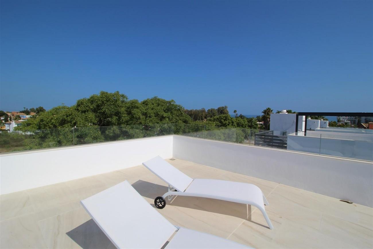 Contemporary villa for sale San Pedro Marbella Spain (21) (Large)