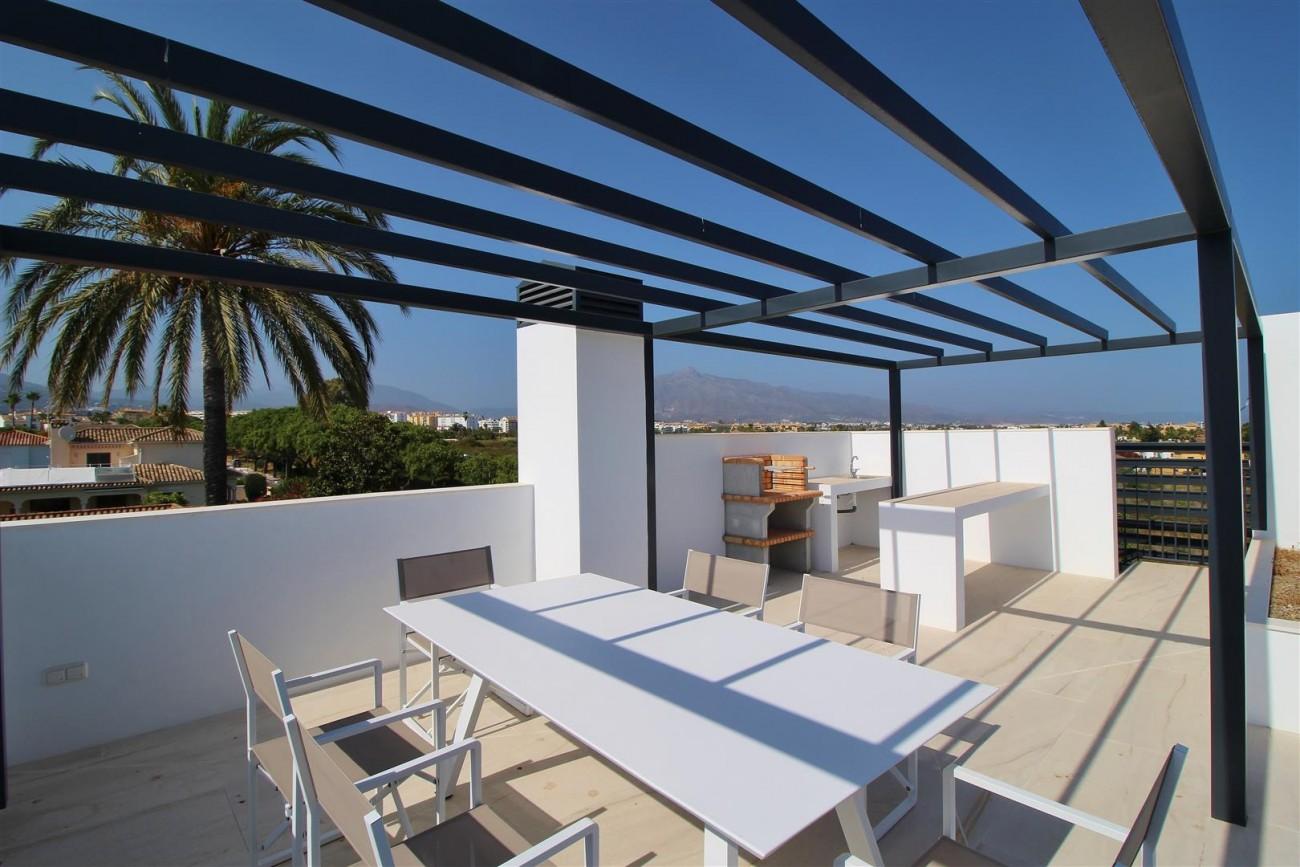 Contemporary villa for sale San Pedro Marbella Spain (22) (Large)