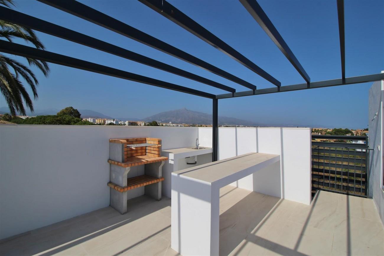 Contemporary villa for sale San Pedro Marbella Spain (23) (Large)