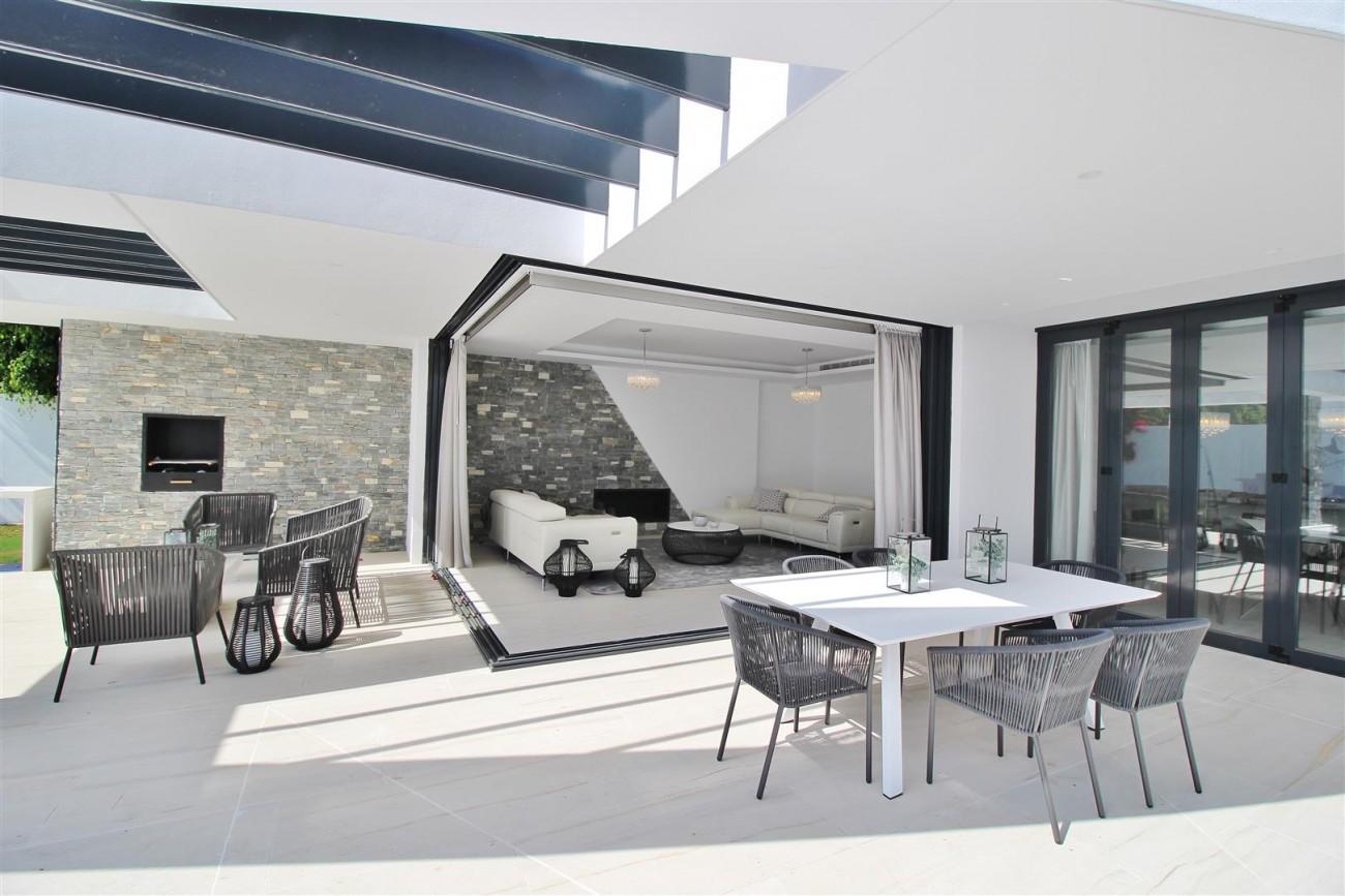 Contemporary villa for sale San Pedro Marbella Spain (28) (Large)
