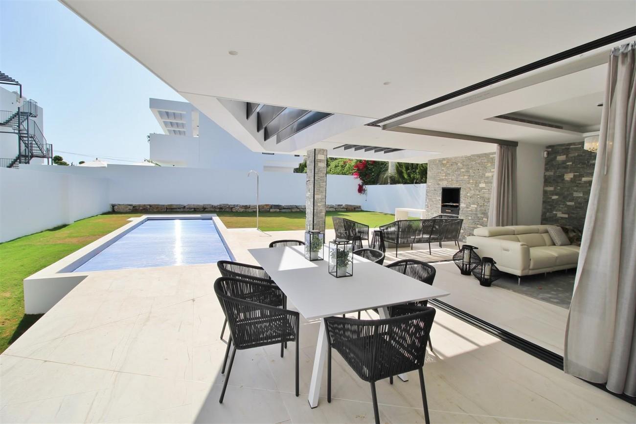 Contemporary villa for sale San Pedro Marbella Spain (29) (Large)