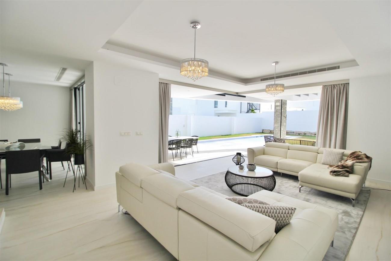 Contemporary villa for sale San Pedro Marbella Spain (30) (Large)