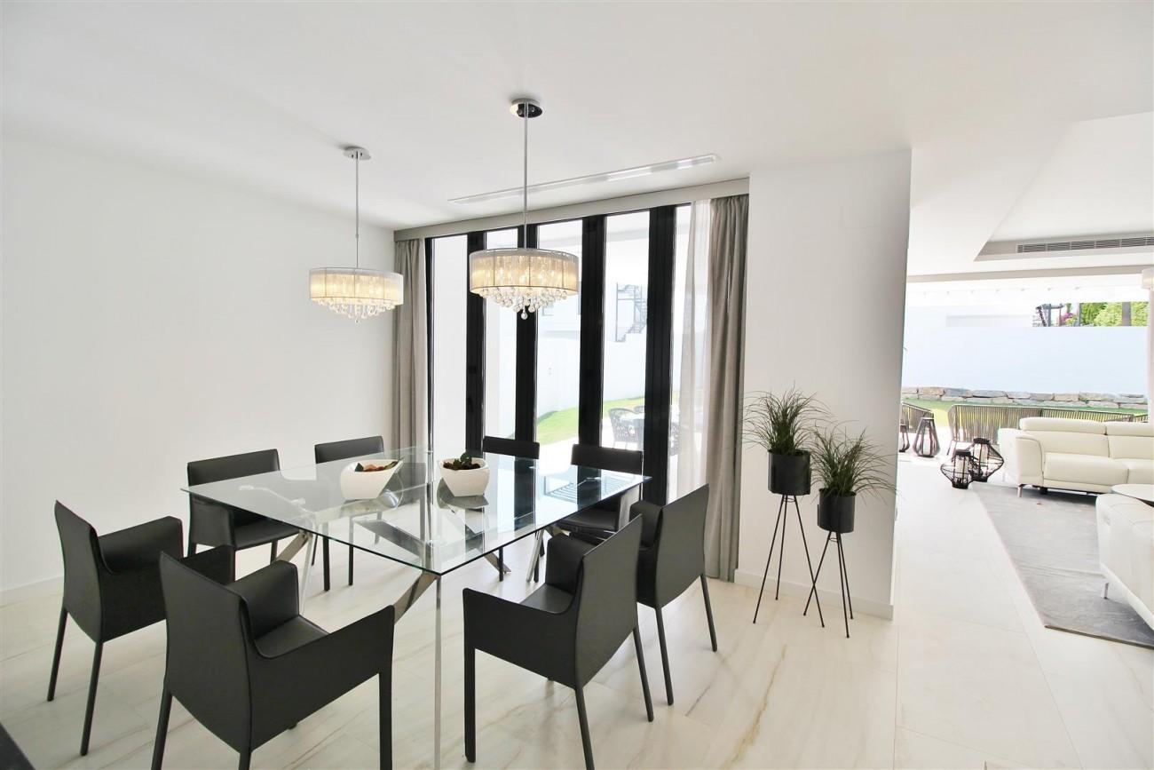 Contemporary villa for sale San Pedro Marbella Spain (31) (Large)