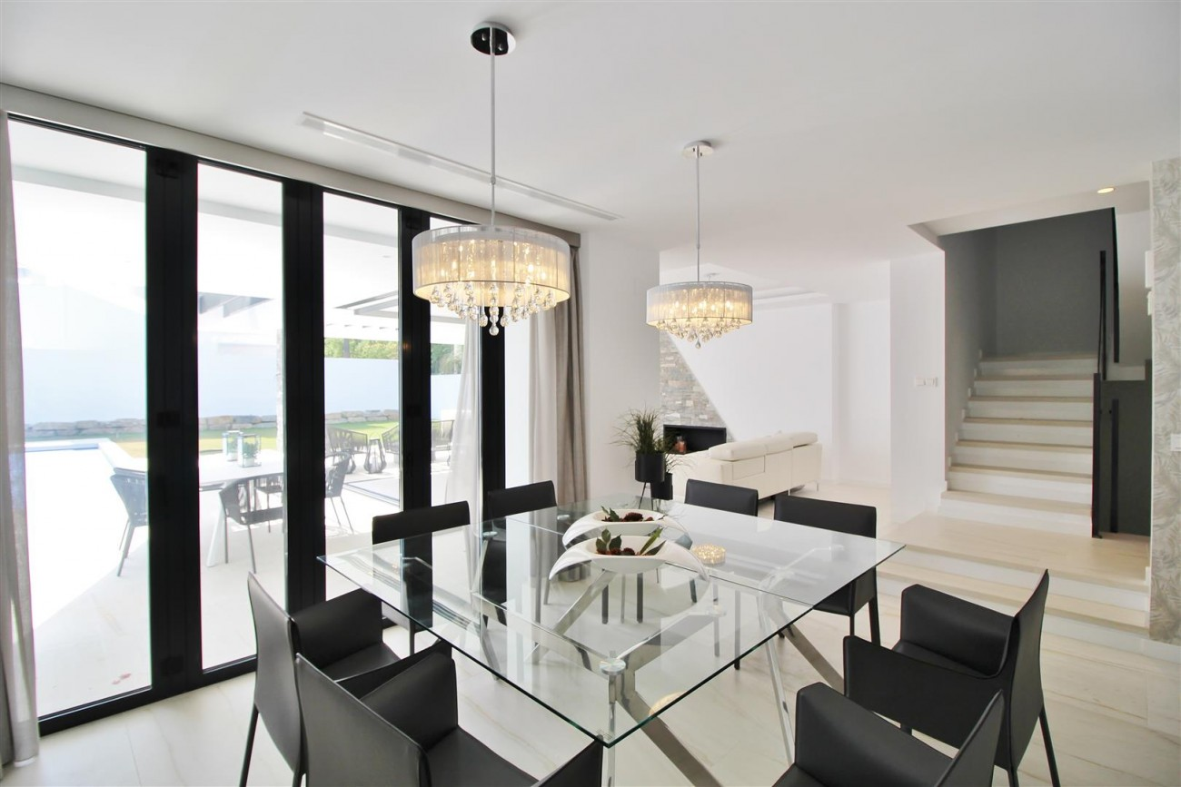 Contemporary villa for sale San Pedro Marbella Spain (32) (Large)