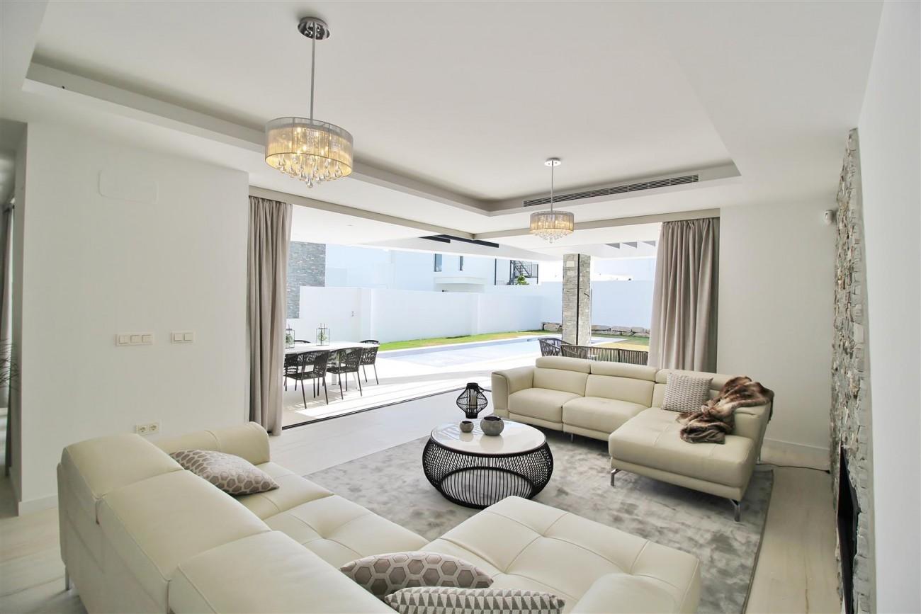 Contemporary villa for sale San Pedro Marbella Spain (33) (Large)