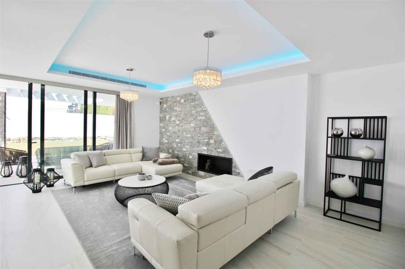 Contemporary villa for sale San Pedro Marbella Spain (34) (Large)