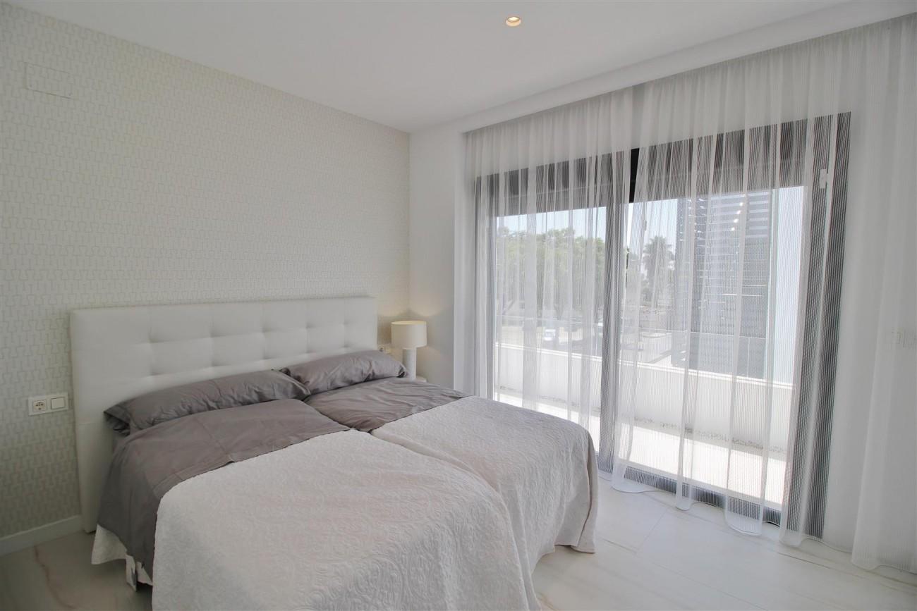 Contemporary villa for sale San Pedro Marbella Spain (36) (Large)