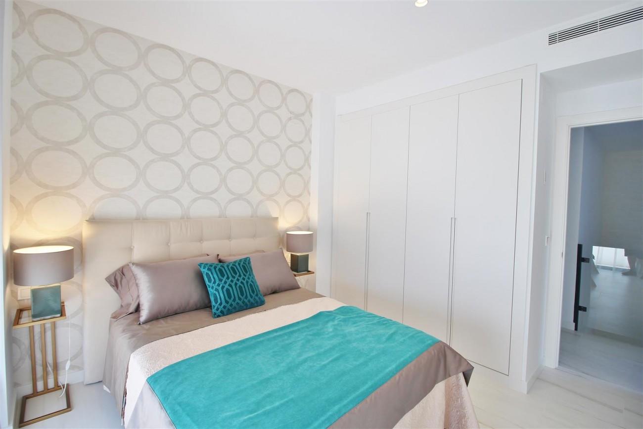 Contemporary villa for sale San Pedro Marbella Spain (37) (Large)