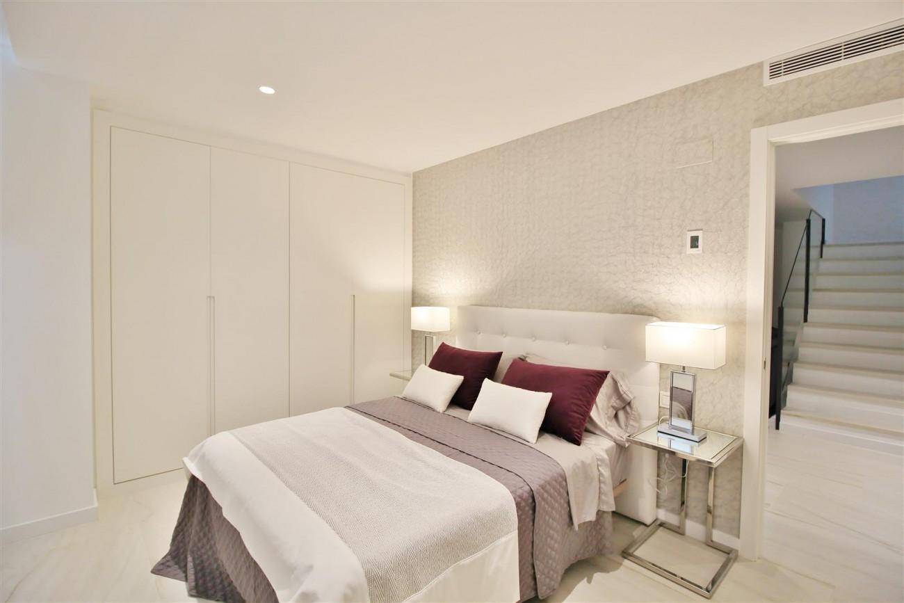 Contemporary villa for sale San Pedro Marbella Spain (42) (Large)