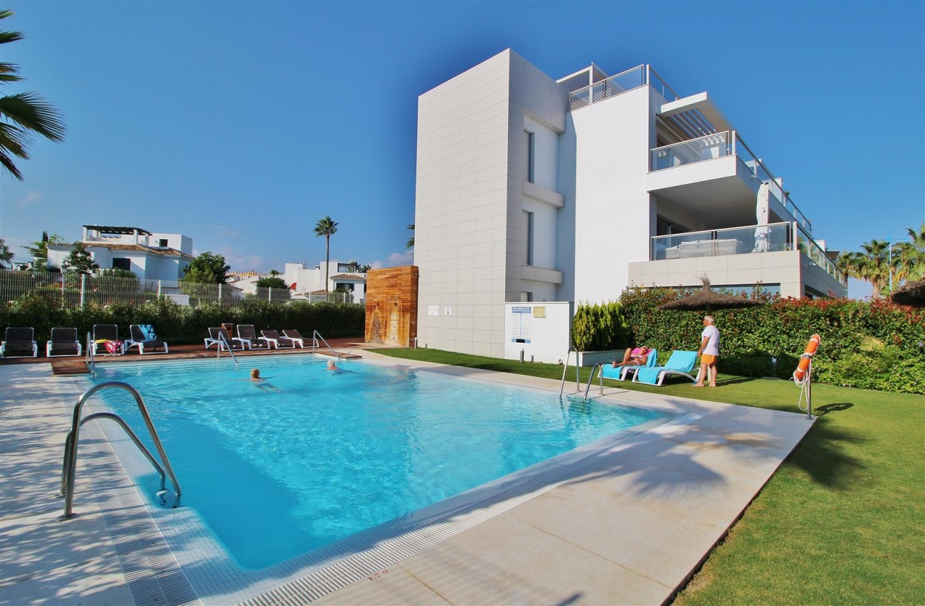 Beachside Penthouse for sale San Pedro de Alcantara Marbella Spain (1) (Large)