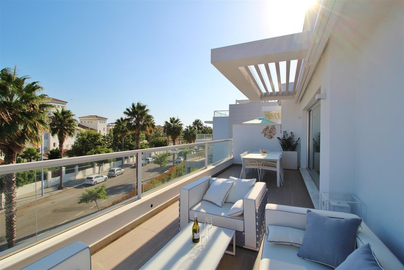 Beachside Penthouse for sale San Pedro de Alcantara Marbella Spain (13) (Large)