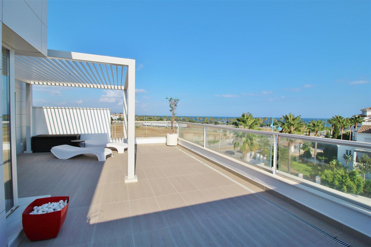 Beachside Penthouse for sale San Pedro de Alcantara Marbella Spain (15) (Large)