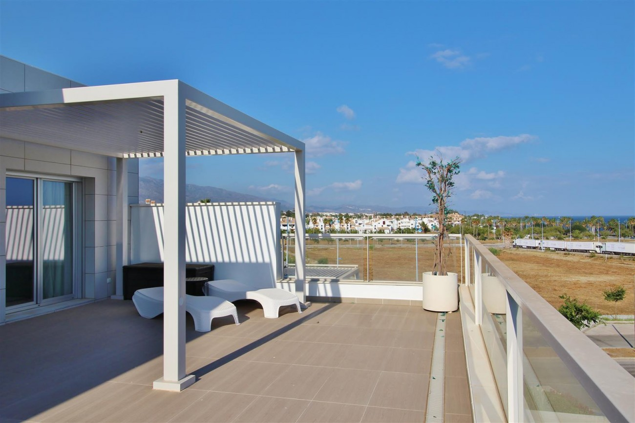 Beachside Penthouse for sale San Pedro de Alcantara Marbella Spain (18) (Large)