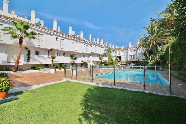 Apartment for Sale - 415.000€ - Nueva Andalucía, Costa del Sol - Ref: 5974