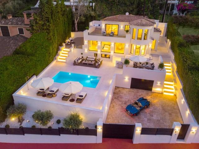 Villa for Sale - 3.245.000€ - Nueva Andalucía, Costa del Sol - Ref: 5996
