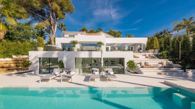 Villa for Sale - 2.975.000€ - Nueva Andalucía, Costa del Sol - Ref: 6000