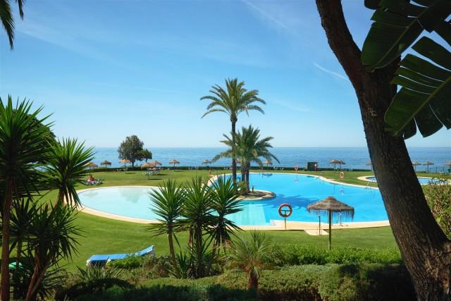 Apartment for Sale - 750.000€ - Marbella East, Costa del Sol - Ref: 6008