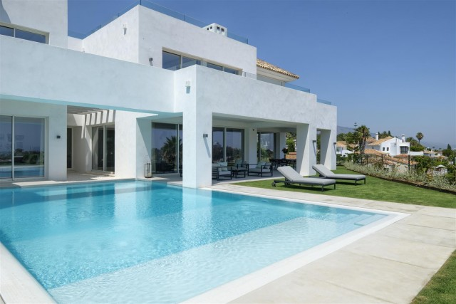 Villa for Sale - 2.950.000€ - Benahavís, Costa del Sol - Ref: 6021