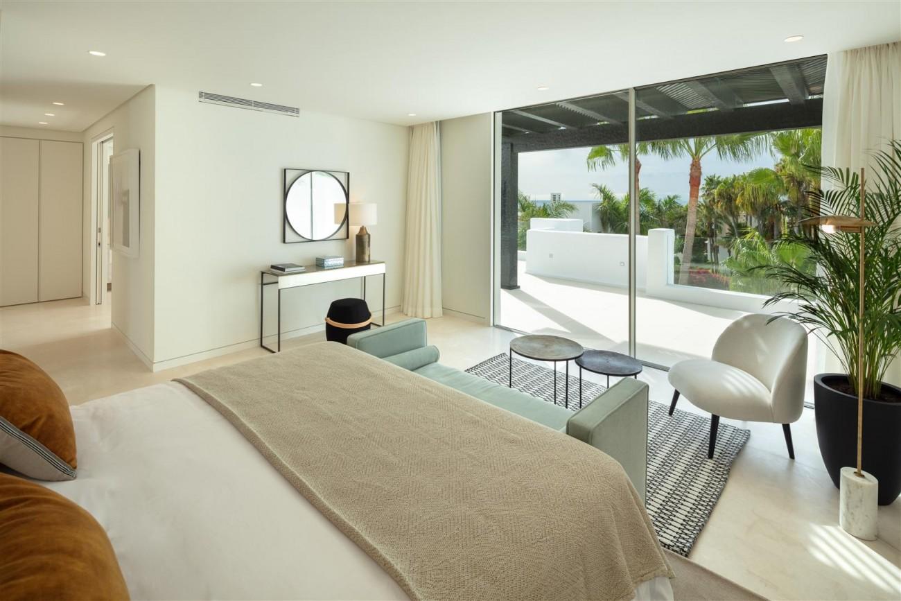 Exclusive Beachside Marbella Golden Mile Apartment (4) (Large)
