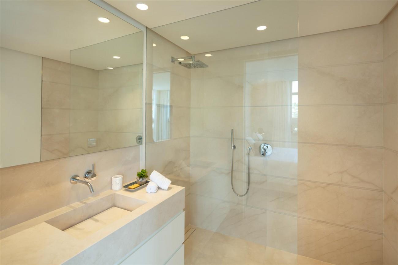 Exclusive Beachside Marbella Golden Mile Apartment (10) (Large)