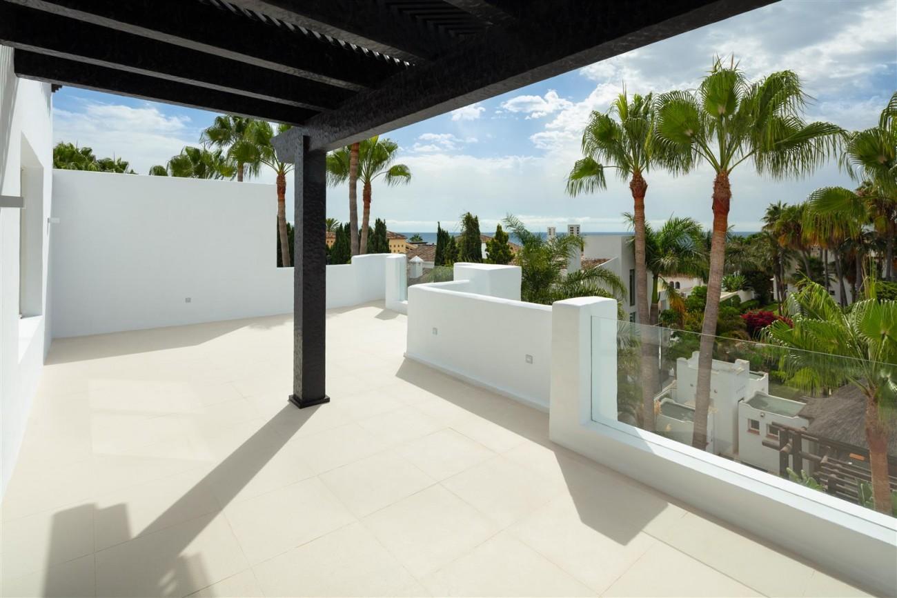 Exclusive Beachside Marbella Golden Mile Apartment (12) (Large)
