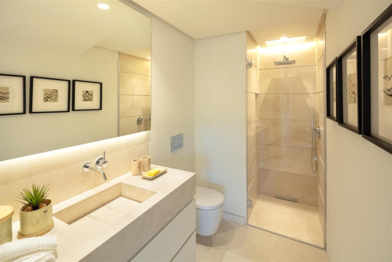 Exclusive Beachside Marbella Golden Mile Apartment (14) (Large)