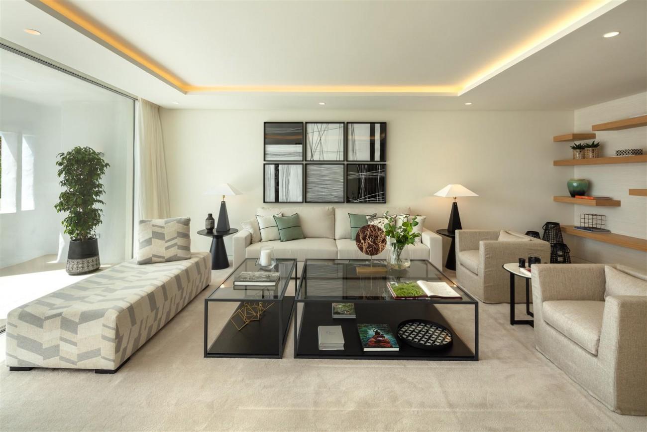 Exclusive Beachside Marbella Golden Mile Apartment (19) (Large)