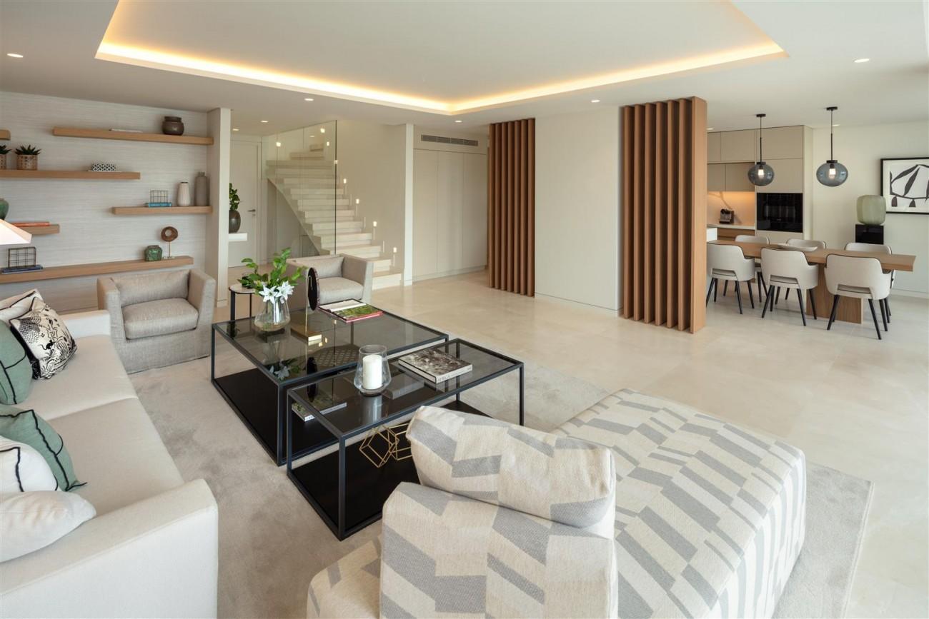 Exclusive Beachside Marbella Golden Mile Apartment (21) (Large)