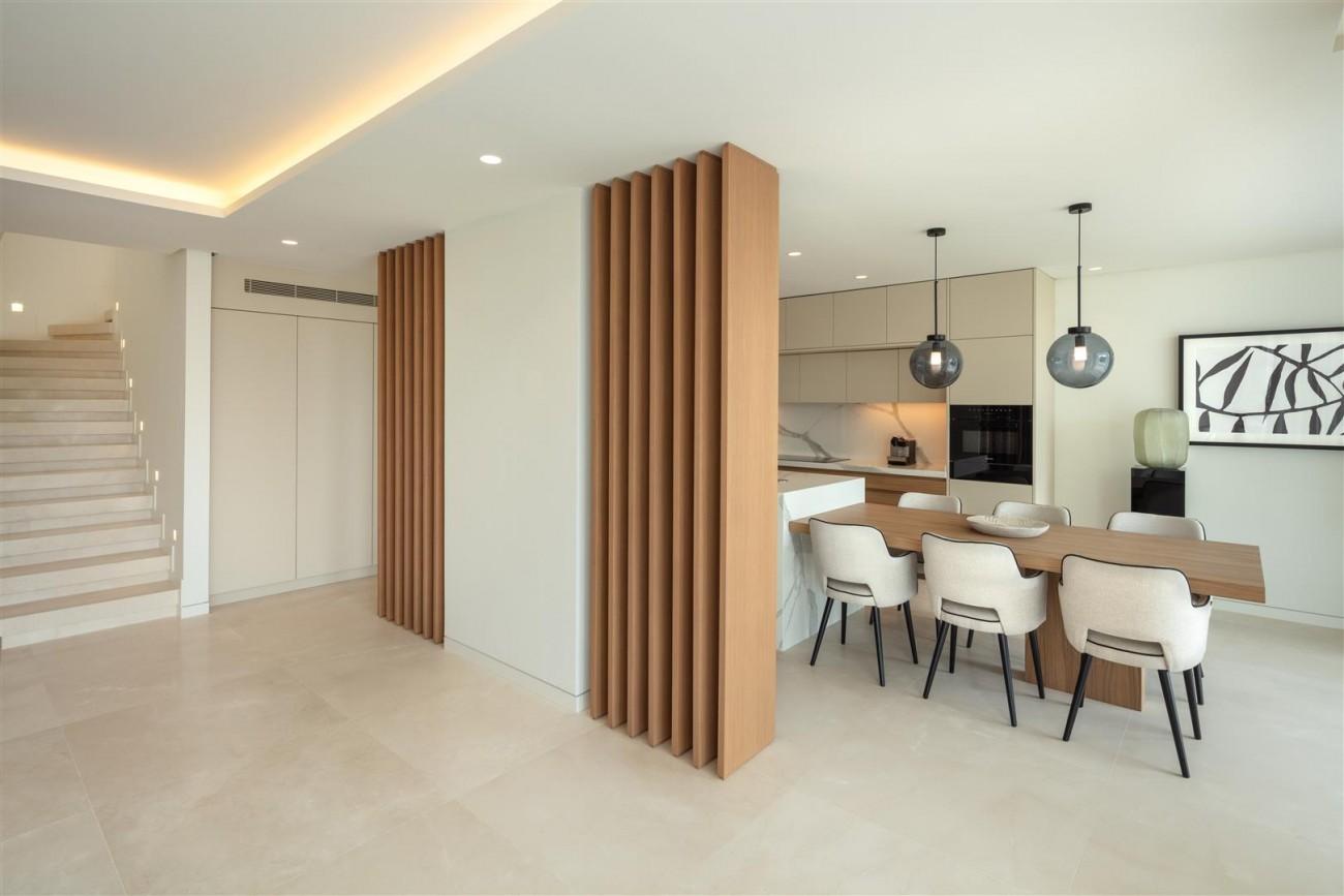 Exclusive Beachside Marbella Golden Mile Apartment (22) (Large)