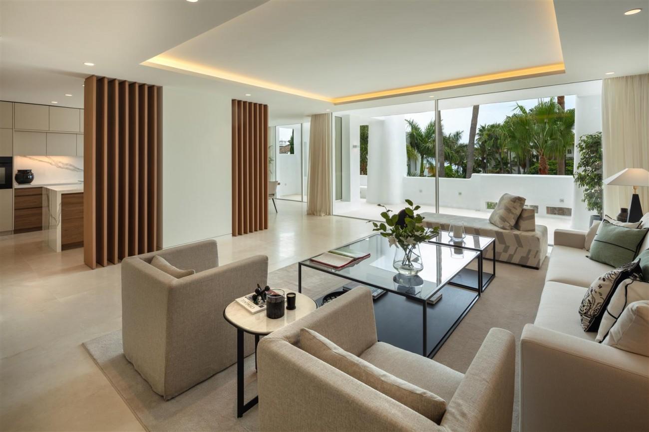 Exclusive Beachside Marbella Golden Mile Apartment (23) (Large)