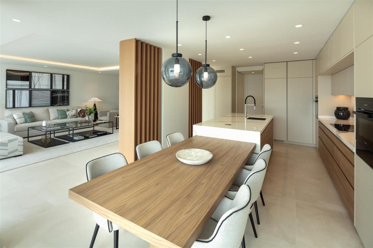 Exclusive Beachside Marbella Golden Mile Apartment (27) (Large)