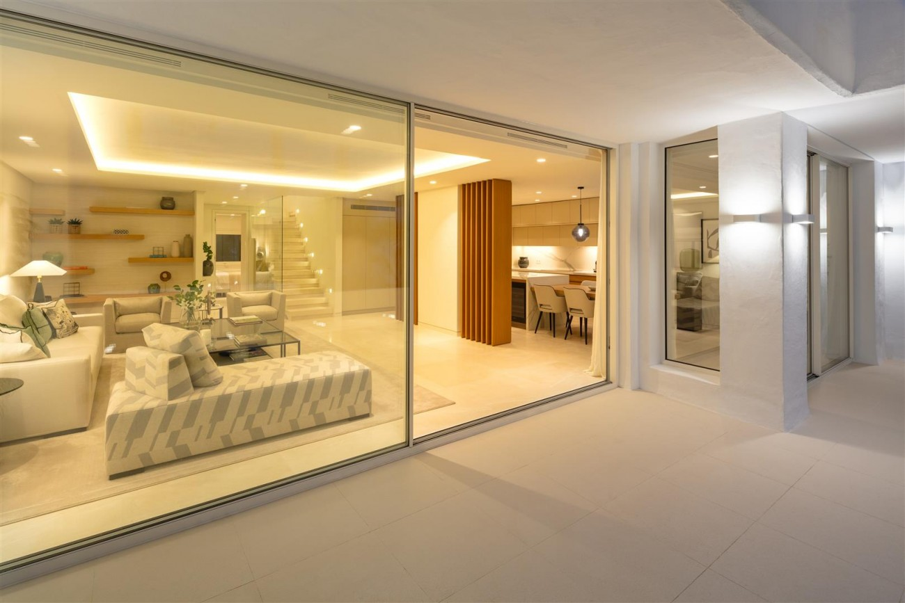 Exclusive Beachside Marbella Golden Mile Apartment (34) (Large)