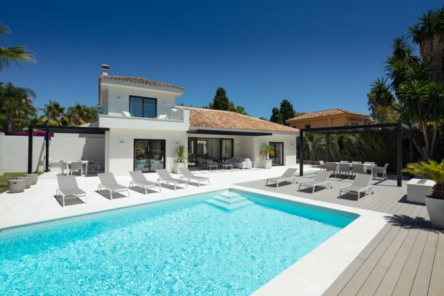 Villa for Sale - 1.950.000€ - San Pedro de Alcántara, Costa del Sol - Ref: 6043