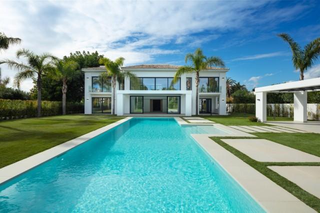 Villa for Sale - 3.900.000€ - Marbella West, Costa del Sol - Ref: 6047