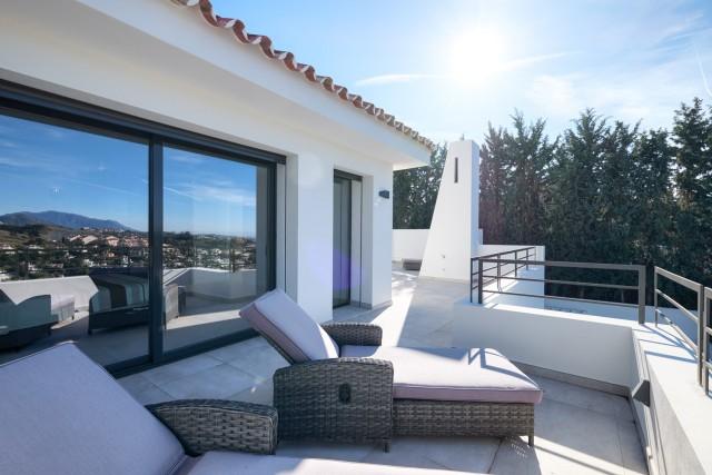 Villa for Sale - 1.695.000€ - Nueva Andalucía, Costa del Sol - Ref: 6055